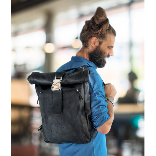 Черный рюкзак з натуральной кожи
